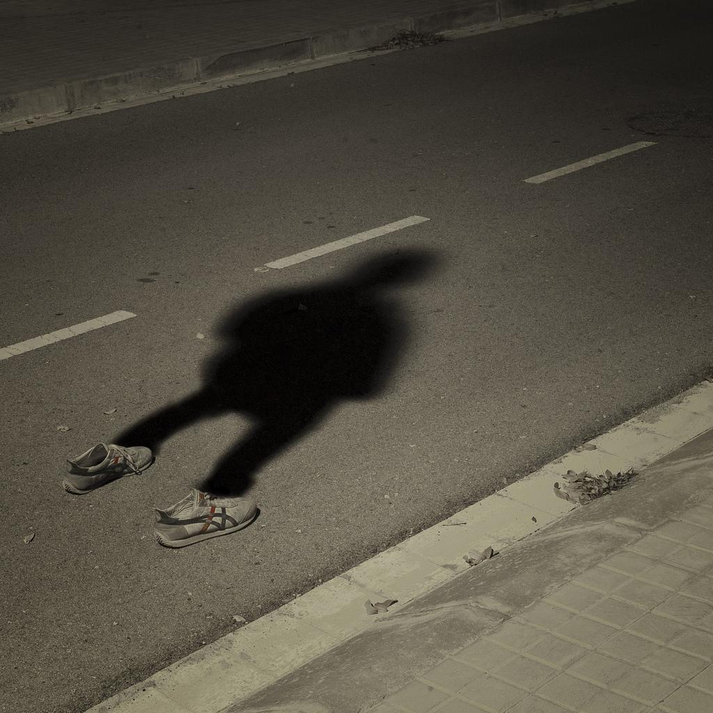 6799954536 49c8b03a90 b La sombra de lo que somos